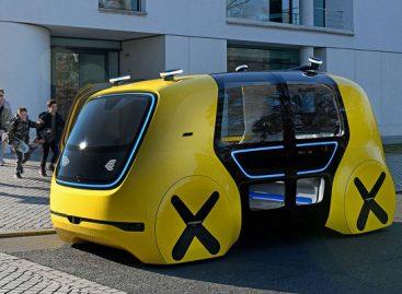 """""""Volkswagen"""" pristatė savaeigį mokyklinį autobusą"""
