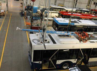 """Aiškėja būsimasis Lenkijos kompanijos """"Solaris Bus and Coach"""" savininkas"""