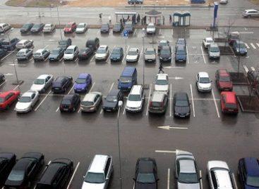 """Vilniaus kiemuose – dar 29 """"žalieji koriai"""" – apie 600 vietų automobiliams"""