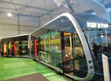 """""""Irizar"""" tramvajaus ant ratų debiutas – viename iš Ispanijos miestų"""
