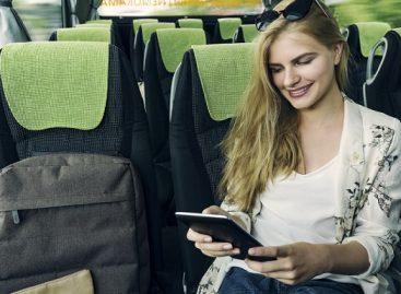Ką keliaudami žiūri ir klausosi autobusų keleiviai?