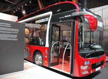 Vis daugiau miestų renkasi suspaustas gamtines dujas naudojančius autobusus