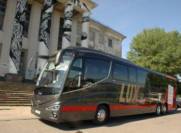 """Tarp Lietuvos ir Latvijos sostinių važinės 2018-ųjų """"Metų autobusas"""""""