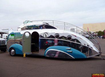"""""""Decoliner"""": namai retro autobuse"""