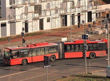 Privatininkų autobusai sostinėje ir toliau važinėja purvini