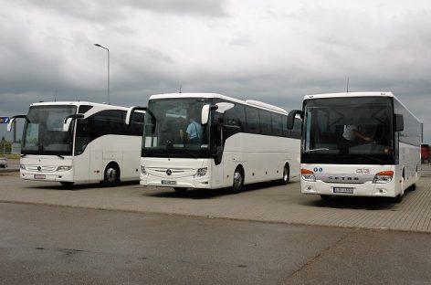 """Vežėjai susipažino su naujais """"Mercedes-Benz"""" autobusais"""