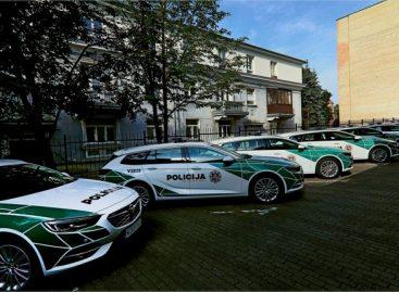 Netrukus šalies keliuose pasirodys trys dešimtys naujų policijos automobilių