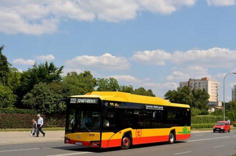"""Varšuvoje – pirmieji elektriniai """"Solaris"""" autobusai"""