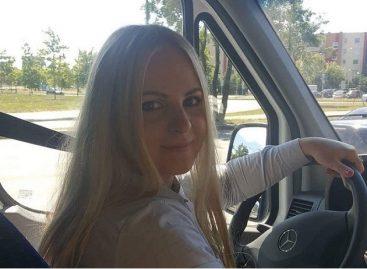 Žavi blondinė prie Klaipėdos mikroautobuso vairo laužo stereotipus