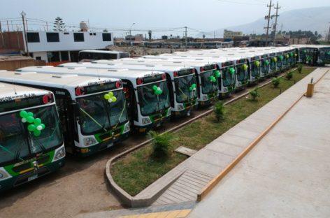 IVECO pristatė dujinius autobusus Limos miestui