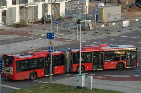 Sostinės privatininkų autobusai tebevažinėja neplauti