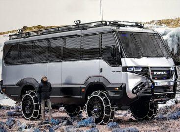 Ukrainiečiai sukūrė originalų bekelei skirtą autobusą (video)