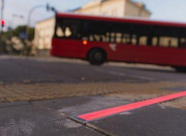 Inovatyvus Kauno sprendimas saugo į išmaniuosius įnikusius pėsčiuosius