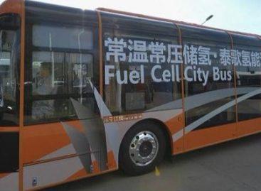Kiniečiai pradeda serijinę vandenilinių autobusų gamybą