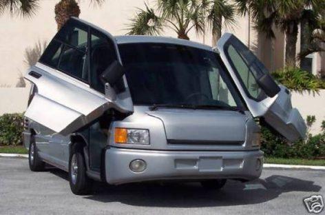"""""""Mauck Special Vehicle"""" – mažas autobusas, didelis limuzinas"""