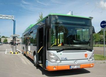 """Klaipėdos viešojo transporto keleiviai skatinami naudotis """"Stop"""" mygtuku"""