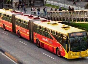 """700 """"Volvo"""" autobusų – Bogotai"""