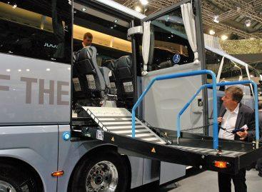 MAN gamintojai pritaiko turistinius autobusus žmonėms su judėjimo negalia