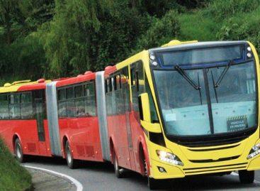 """""""Scania"""" pristatys Kolumbijos sostinei dujinius autobusus"""