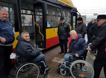 """Bendrovėje """"Busturas"""" – neįgaliųjų mokymai vairuotojams"""