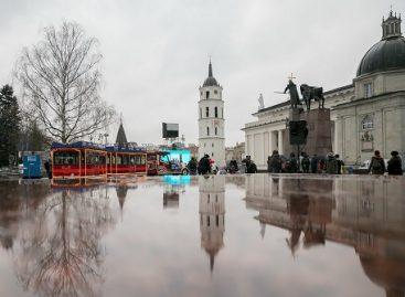 Į sostinės gatves išriedėjo Kalėdų traukinukas