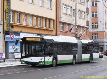"""Plzene išbandomas naujas """"Škoda 27 Tr New Urbino"""" troleibusas"""