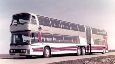 """Didžiausias pasaulyje autobusas – """"Neoplan Jumbocruiser"""""""