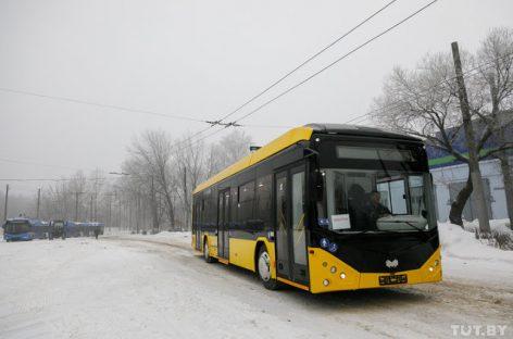 """""""Belkommunmaš"""" pristatė itin greitai įkraunamą elektrinį autobusą """"BKM-E321"""""""