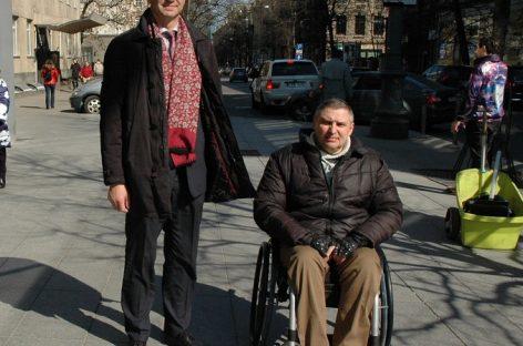 Lietuvos keleivių vežimo asociacijos prezidentas susitiko su neįgaliųjų atstovais