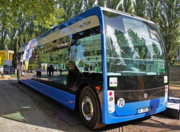 """Strasbūro vežėjai perka elektrinius """"Aptis"""" autobusus"""