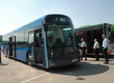 """Lietuviški """"Klaipėdos autobusų parko"""" įsigyti elektriniai autobusai išvažiuoja į gatves"""