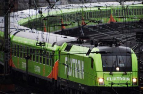 """""""FlixMobility"""" jau veža keleivius ir traukiniais"""
