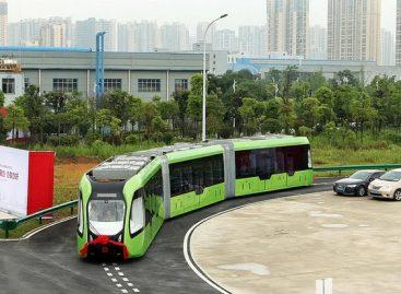 Kinijoje išbandyta neįprasta transporto priemonė