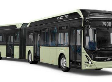 """""""Volvo"""" pristatė elektrinį sudvejintą """"Volvo 7900"""""""