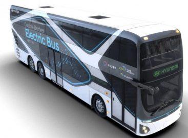 """Originali naujovė: dviaukštis tarpmiesčio vežimams skirtas elektrinis """"Hyundai"""""""