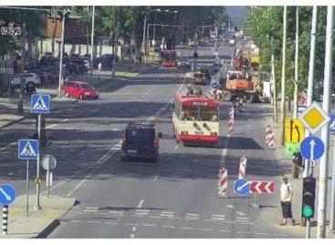 Vilniuje Savanorių pr. 6 sankryžos šviesoforai perjungiami į mirksėjimo režimą