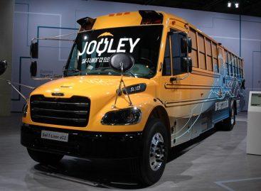 Kalifornijoje 200 dyzelinių mokyklinių autobusų keis elektriniais
