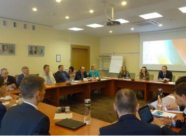 Profesinių sąjungų atstovai susitiko su Socialinės apsaugos ir darbo ministerijos vadovais