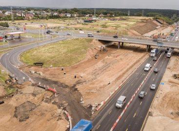 """Greitkelyje greta prekybos centro """"Mega"""" įveikta trečdalis kelio rekonstrukcijos darbų"""