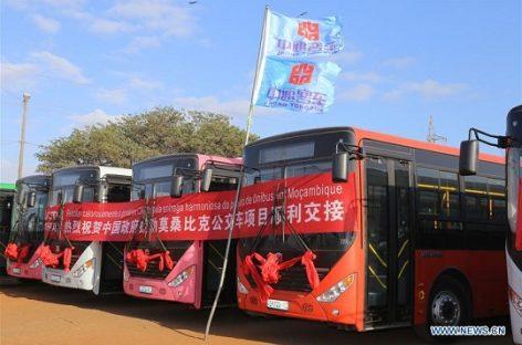 Kinija padovanojo 100 naujų autobusų Mozambikui