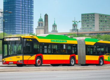 """Varšuvai – 130 elektrinių """"Solaris"""" autobusų"""