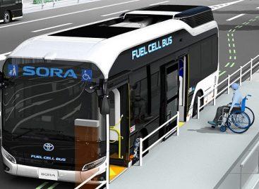 """""""Toyota"""" modernizavo vandenilinį autobusą"""