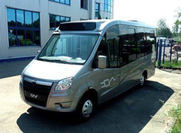 Latviai pristato elektrinį RAF mikroautobusą