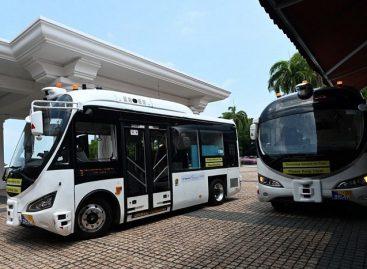 Singapūre išbandomi elektriniai savivaldžiai autobusai
