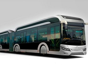 Almatoje – vietos gamykloje surinkti dujiniai autobusai