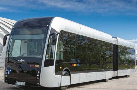 """""""Van Hool"""" """"Busworld Europe"""" parodoje pristatys vandenilinį autobusą ir elektrinį autobusą su """"Proterra"""" baterijomis"""