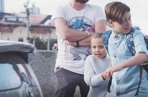 Eksperimentas atskleidė: ar suaugę sustabdys pavojingai gatvėje besielgiantį vaiką?