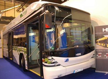 HESS surinkinės autobusus Indijoje