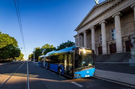 """Švedai įsigijo elektrinių ir dujinių """"Solaris"""" autobusų"""