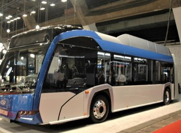 """""""Solaris Bus and Coach"""" stende """"Busworld Europe"""" – ilgiausias troleibusas ir originalūs sprendimai"""